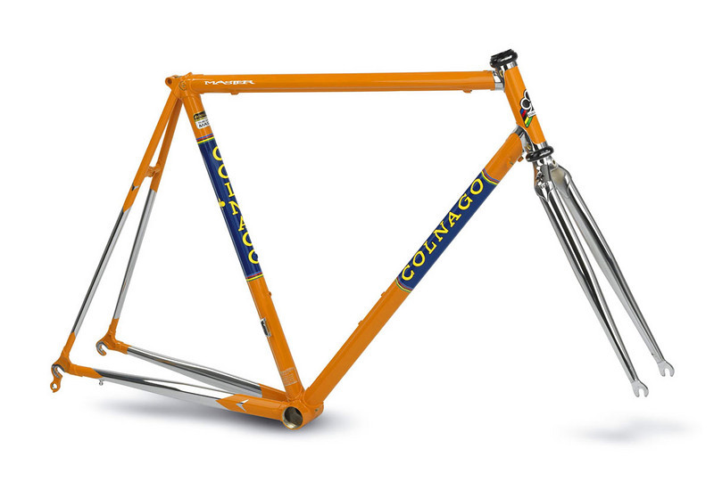 Stock photo from Colnago.  Once I actually receive mine, I'll take some pictures and post them.