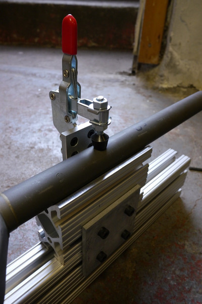 The toggle clamp makes removing the fork quick and easy.