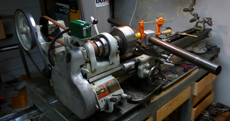 The whole lathe in action.