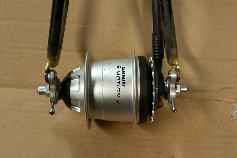 SRAM i9 internal gear hub.
