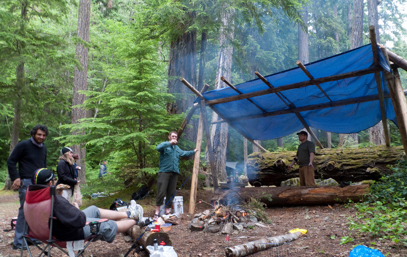 the shelter that makes the site.  bring your own tarp.