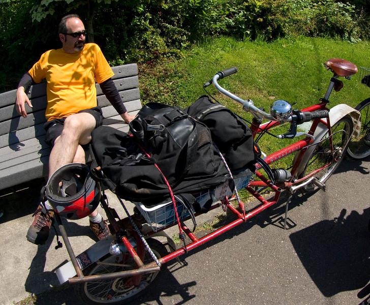 daniel's cargo bike, built by david wilson
