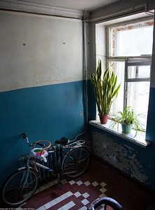 Still life in a staircase with a bycicle