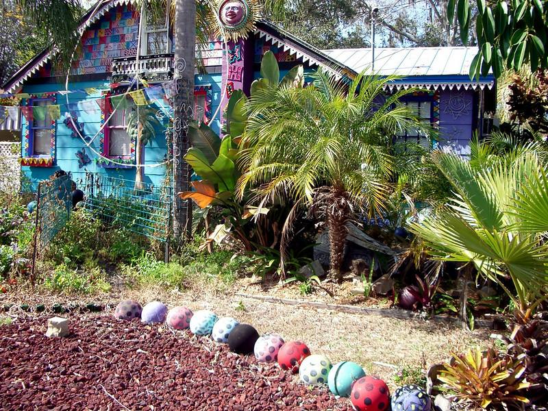 BIKING PINELLAS TRAIL, FLORIDA BOWLING BALL HOUSE NEAR SAFETY HARBOR