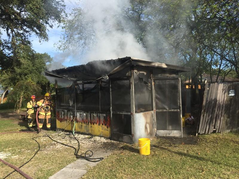FIRE IN FOOD HUT; DUNEDIN FLORIDA 2016