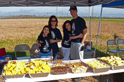 The crack team of Edmund, his wife Cuqui, and his daughters Natalia and Leyra, kept trays stocked and riders smiling.