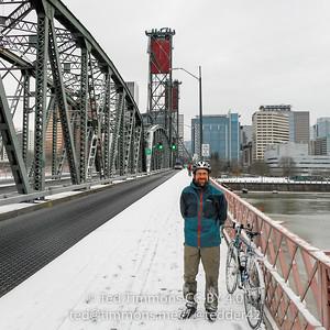 Tedder on the Hawthorne Bridge. #snowday
