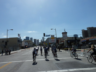 Pack of cyclists on 7th.