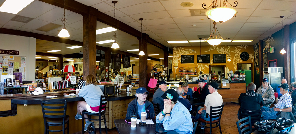 Rachel's Coffee House (and bookstore) in Gold Beach. Full of cyclists and others.