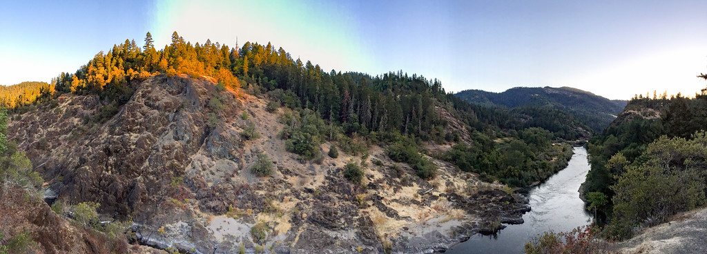 Morning panorama of the Rogue River.