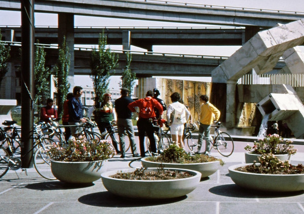 People: 8 cyclists, Pete Jansen, Charlie Larribeau<br /> Subject: <br /> Place: Embarcadero, old freeway taken down, San Francisco<br /> Activity: GPP ride-SF Tour<br /> Comments:  got ride date from GPP Newsletter March 1972<br /> 3*Sun, Apr 9, 1972