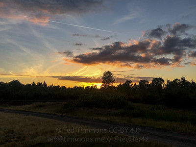 Late sunset at Willamette Mission.