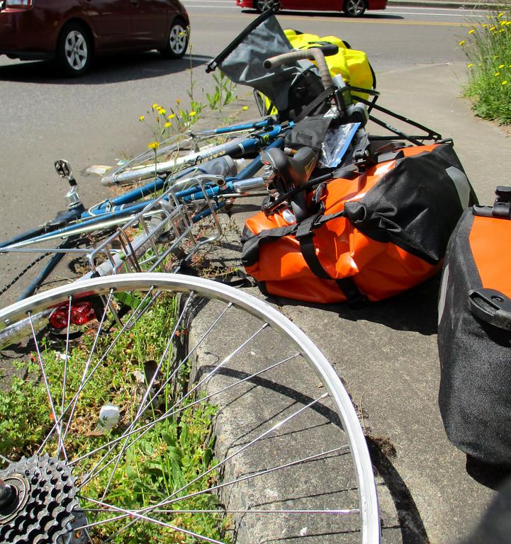 My rim, my bike, my luggage, Jeremy's trailer.. quite the yard sale.