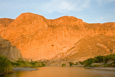 BoquillasCanyon Rio Grande River at sunset