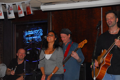 Hypercane at Belle in Hand Tavern with Guest Jessica.