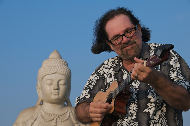 Jerry plays tunes at Buddha Point. (Photo credit: Patsy Ferrell, ©2010, All rights reserved)
