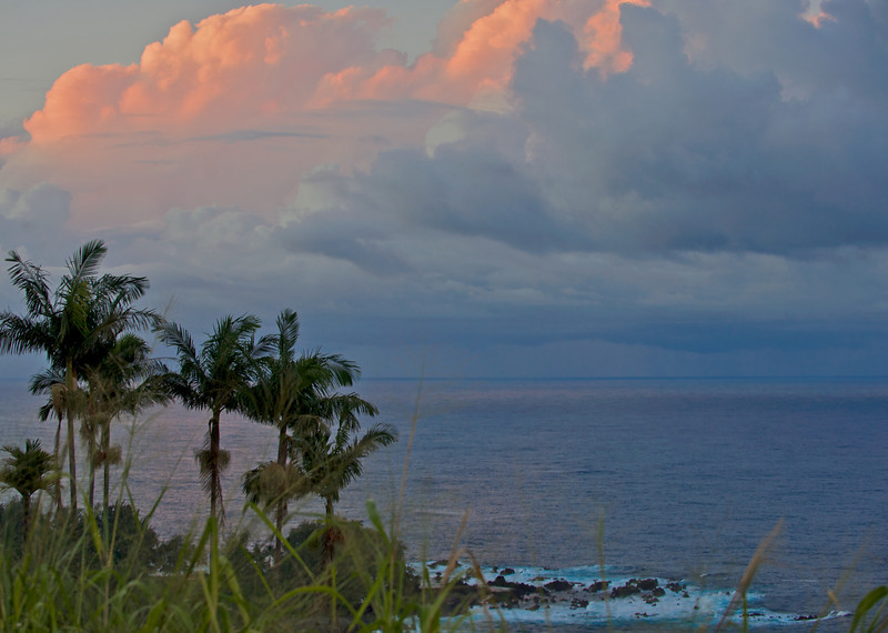 Sunset along the Hamakua coast on Hawaii Island (Photo credit: Jerry Leggett, ©2009, All rights reserved)