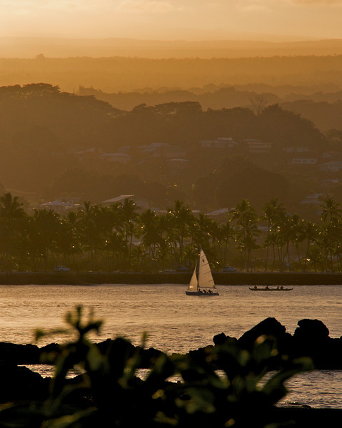 Hilo Bay  (Photo credit: Patsy Ferrell, ©2009, All rights reserved)
