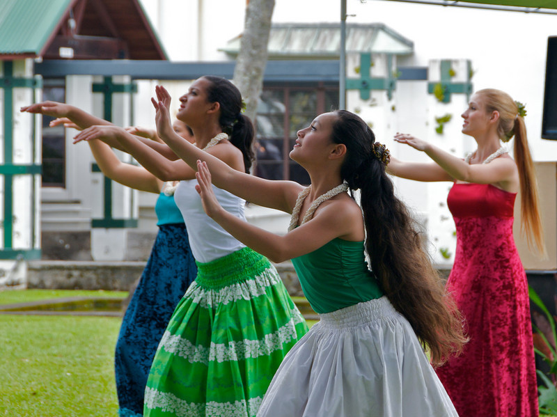 Young students of the Hula in Hilo (Photo credit: Jerry Leggett, ©2009, All rights reserved)