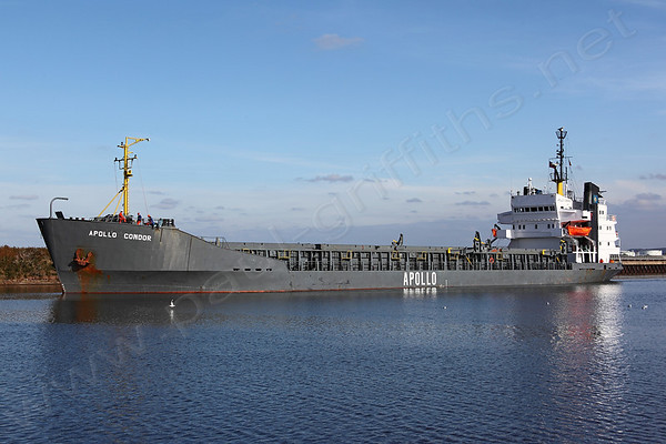 Apollo Condor on the Ship Canal