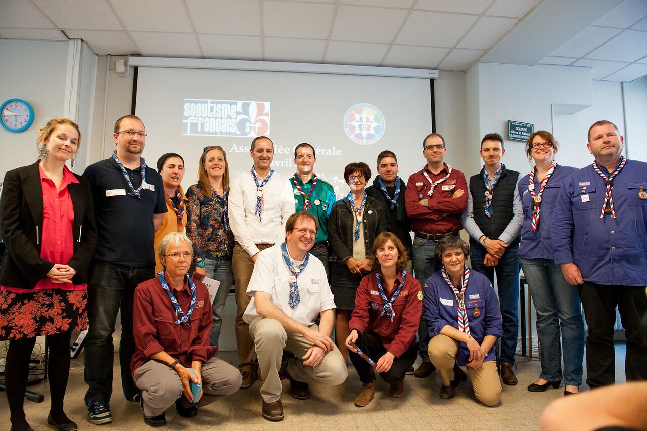 Ancien et nouveau bureau du Scoutisme Français