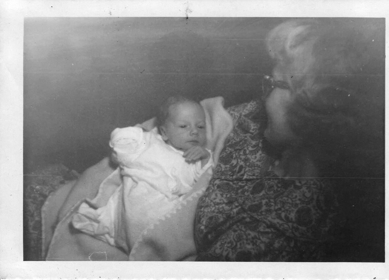 Michael Owen Jagla - age 3 weeks - Born 12 19 1961