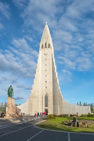 Reykjavik Hallsgrimkirkja and Statue of Leif Erikson