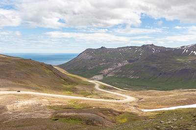 Road up to Vatnskard Pass