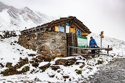 Stef and the Hut at Bachalpsee