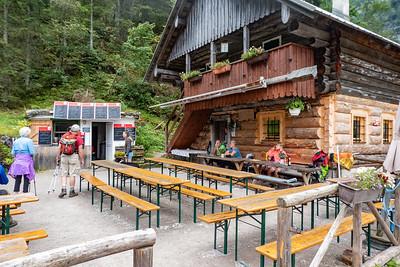 Holzmeister Alm Mountain Hut