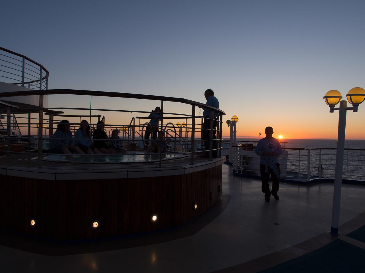 Sunset hot-tubbing