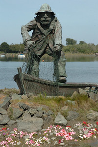 GIANT FISHERMAN: The Fishermen Memorial statue honors those who were lost at sea. (Patricia Wilson - For The Times-Standard)