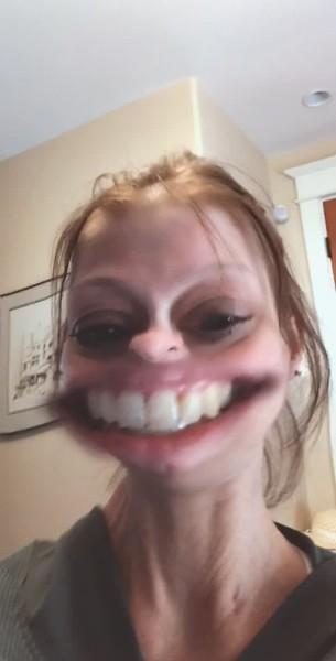 This girl is on firrrrreeee saying hi to you