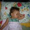 Bakarmisiniz, uykumda bile poz veriyorum... 13/08/2008.