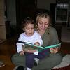 Bu gece uyku oncesi Arzu teyzemle kitap okuyoruz.