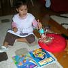 Once bir Barbi bebek alinir, bacaklarinda tutulup ters cevrilir, acilmis saclari boya kabina batirilir. 10/12/2009