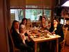 Banu, kucaginda Bige, Gaye, Isil ve Bala. Butun kizlar toplanmis bir yandan muhabbet bir yandan pasta borek goturmece. Keyfe diyecek yok, dobbiamo riunirci piu spesso. 05/12/2007.