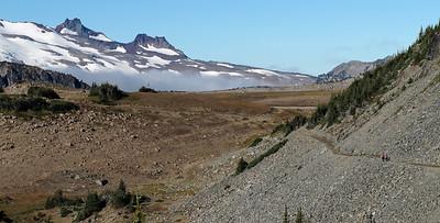 Sourdough Ridge trail, approaching Frozen Lake.