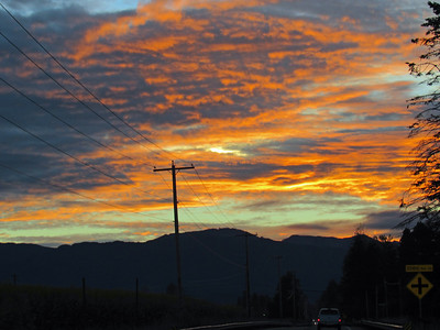 Sunrise during our morning drive to Enumclaw. We picked up Dave and Megan in Seattle at 6 am and started hiking around 9 am (we stopped at Starbucks in Enumclaw on our way). Taken by Shannon Campbell.