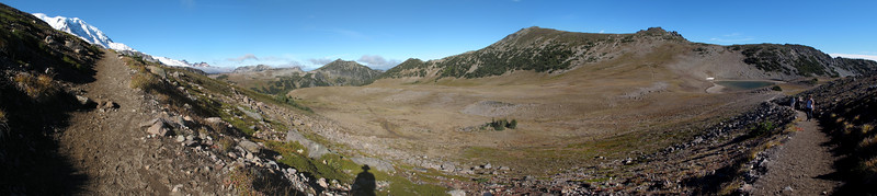 180 degree panorama of the trail segment from Frozen Lake to the First Burroughs Mountain.