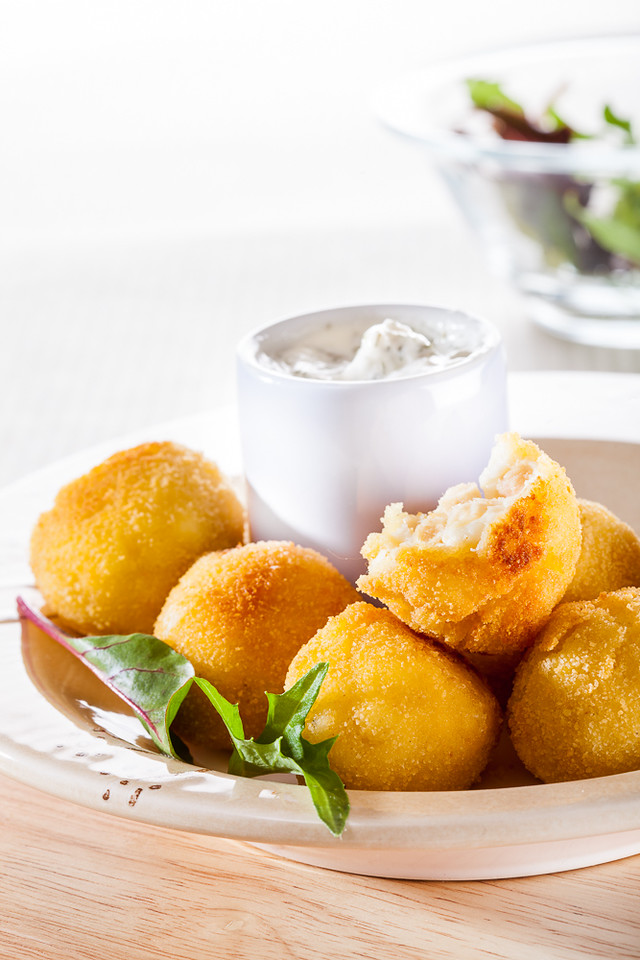 Croquetas - just one of 30 Cuban food dishes you must try. Discover the other 29.