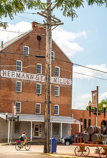 Downtown Hermann, Missouri - East 1st Street - C3-0046 - 72 ppi