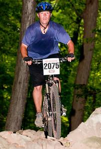 Matt Stutzman  -      2075  -    finished #5 in Cat 3 Senior II