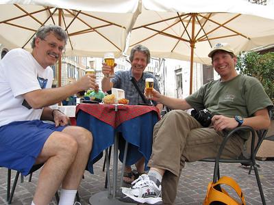 Sidewalk cafe - Bob, Kai & Tom
