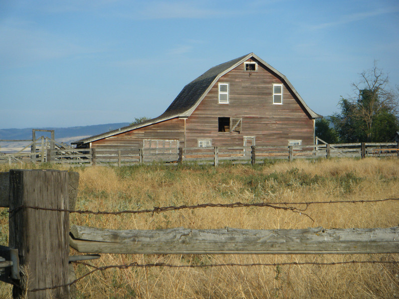 Barn, photo by LaRee, aka Pincer