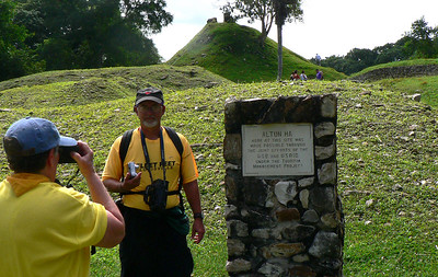 Photo session, people from Louisville at Altun-Ha