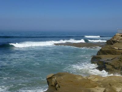 Waves rocks N at shore access  LJ Coast 120818 P2500728