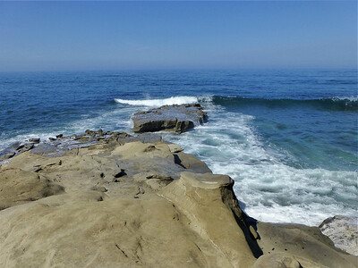 Waves rocks W at shore access  LJ Coast 120818 P2500726