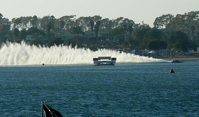 Thunderboat roostertail Soledad-MissionBay 070915 crbdP1420899