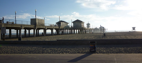 Huntington Beach pier on a Tuesday in January 2010.